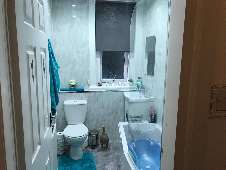 19 Burn Terrace, Cambuslang Bathroom