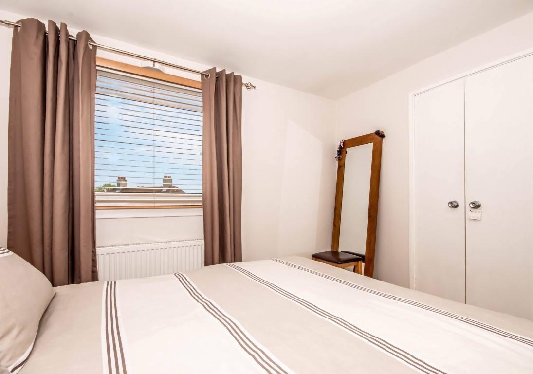 45 Castlandhill Road, Rosyth Bedroom 1