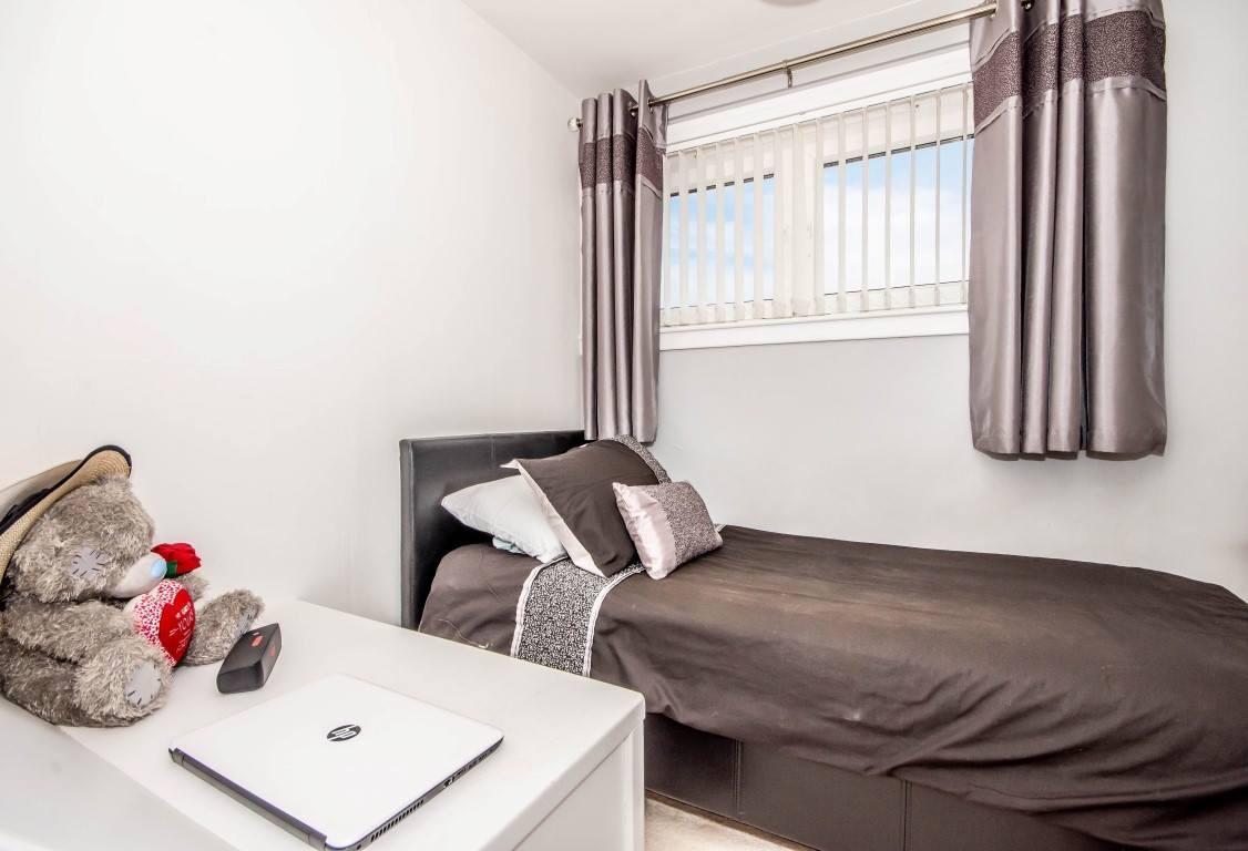 45 Castlandhill Road, Rosyth Bedroom 3