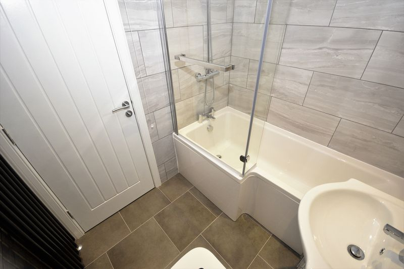 83 Craigbeath Court, Cowdenbeath Bathroom