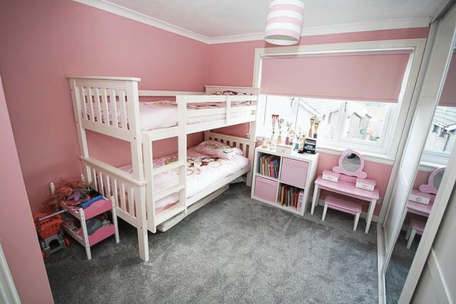 7 Farm Road, Cowdenbeath Bedroom 2