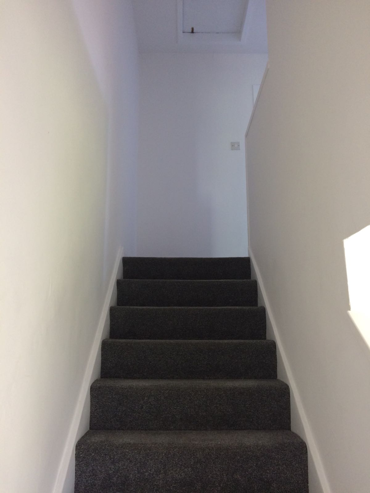 225 Inchkeith Drive, Dunfermline Stairs