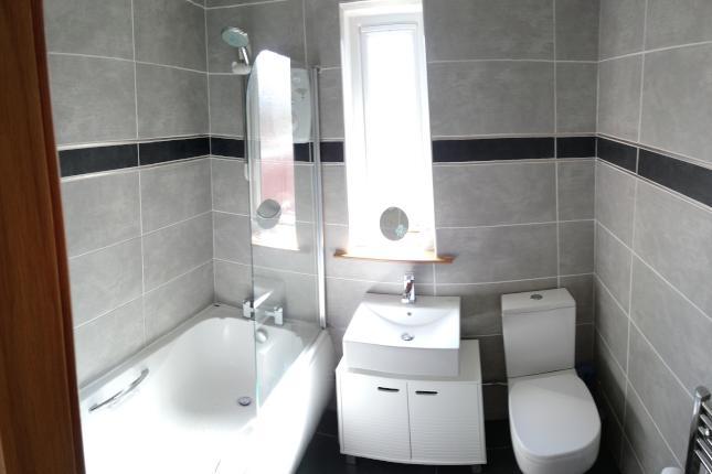 51 Johnston Crescent, Dunfermline Bathroom