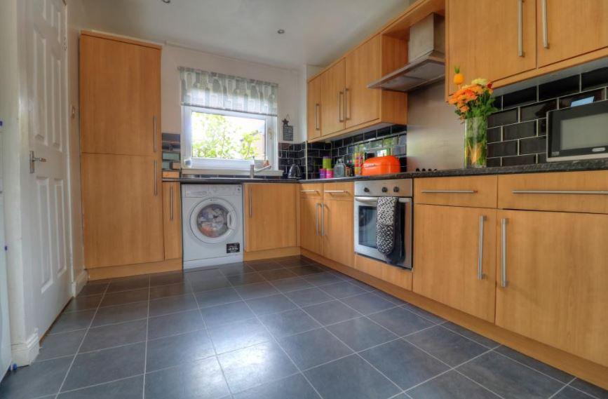 23 Mossywood Place, Cumbernauld Kitchen