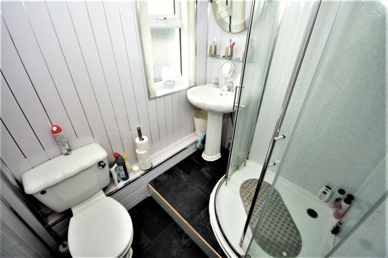 106 Rae Street, Cowdenbeath Bathroom