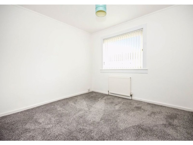 61 Wedderburn Crescent, Dunfermline Bedroom 2