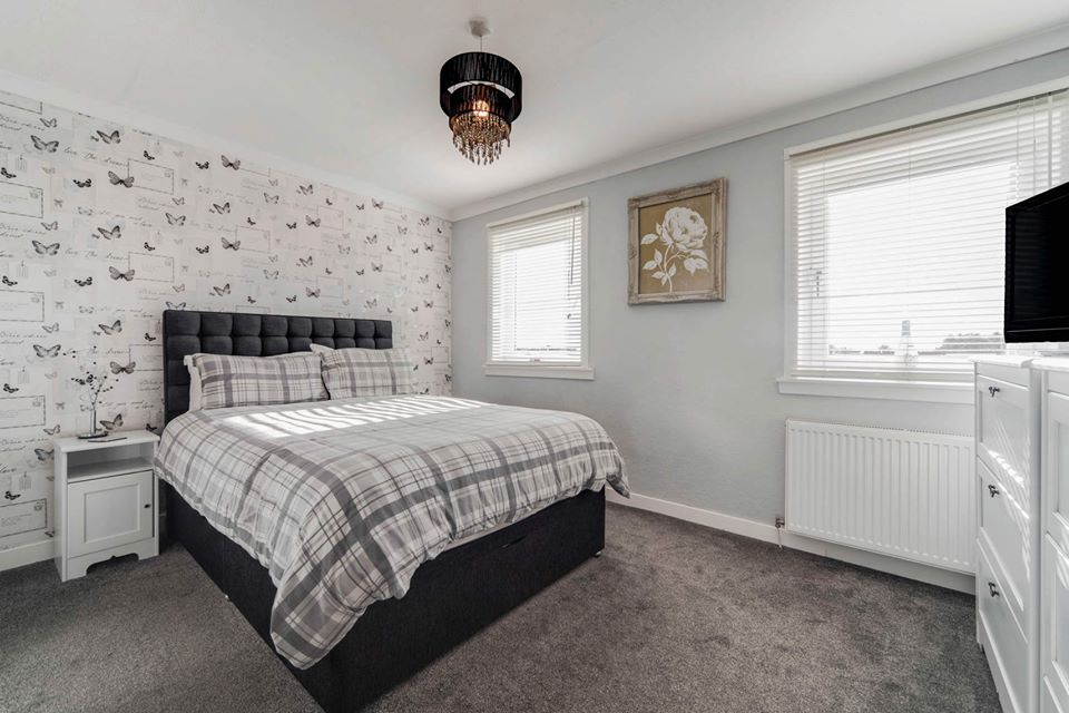 19 Wedderburn Place, Dunfermline Bedroom 1