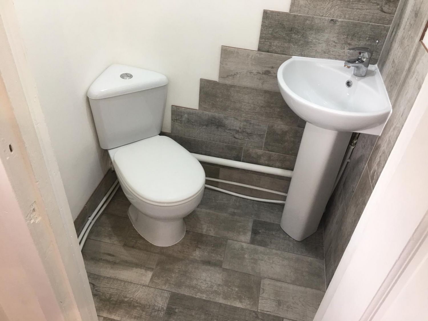17 West Lane, Cowdenbeath Downstairs Toilet