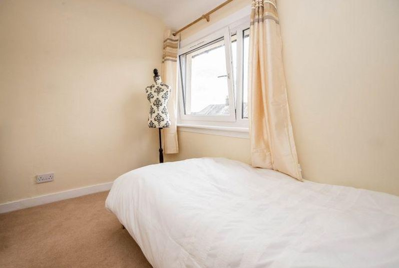 27 Woodside Street, Rosyth Bedroom 1